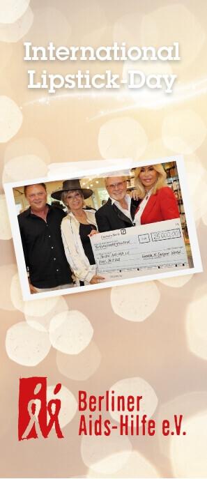 Ricarda M. überreicht Scheck über 25.000€